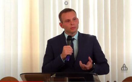 Михаил Варенов